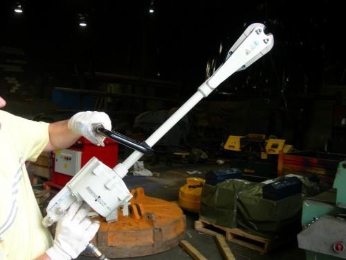 pneumatic cutting tool